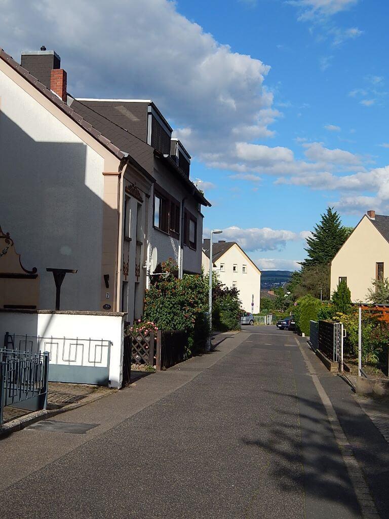 Ferienhaus-UNI-Koblenz Strasse